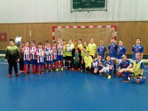 Vpravo v modrém vítězové z Benátek, vlevo stříbrný domácí tým a uprostřed bronzový Sporting MB.